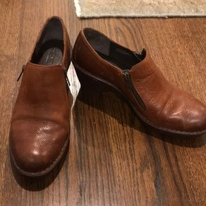 Born brown leather clogs